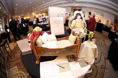 2016SilentAuctionTables3